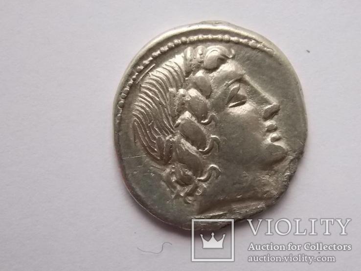 Республиканский - Анонимный  динарий (3,66 г., 20 мм). Рим мон двор. 86 B.C.