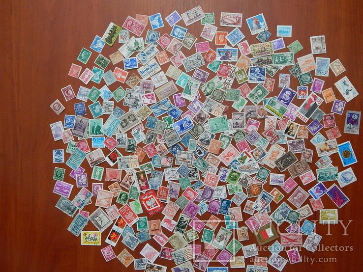 Лот иностранных марок. 350 шт.