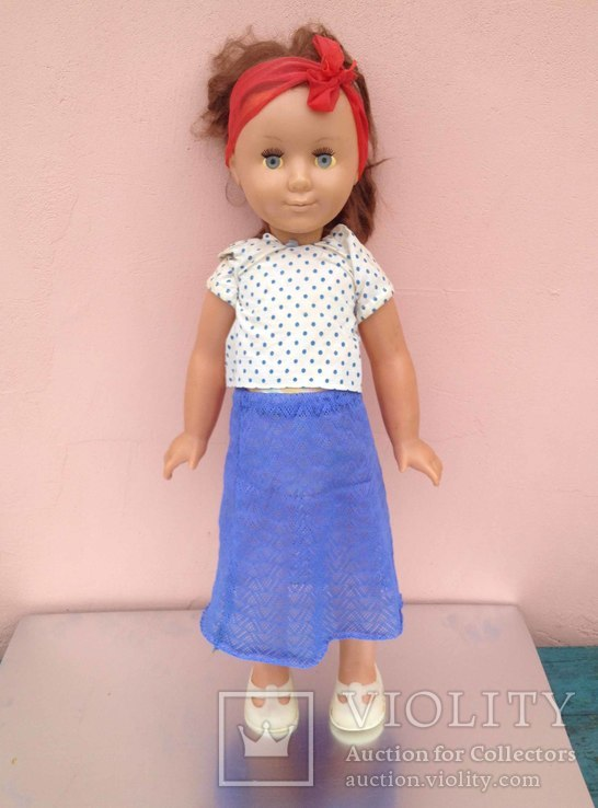 Париковая кукла на резинках с клеймом 63 см