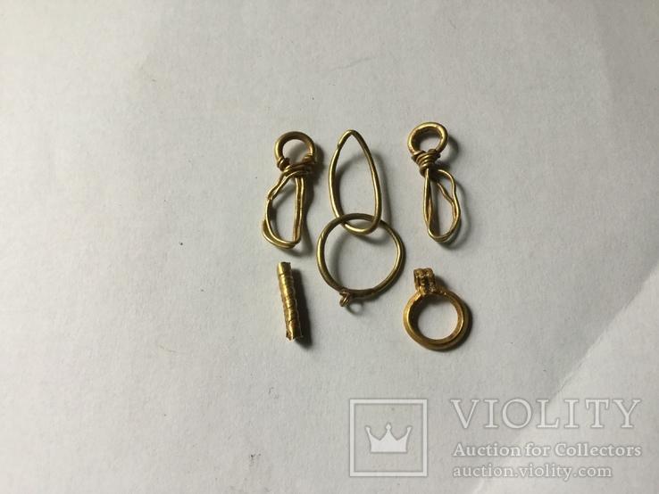 Детали от золотых украшений