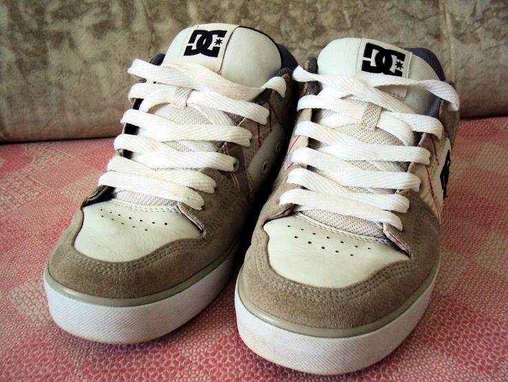 Кроссовки кожаные  мужские  DC Shoes  Dolce & Gabbana  размер 42 стелька 27