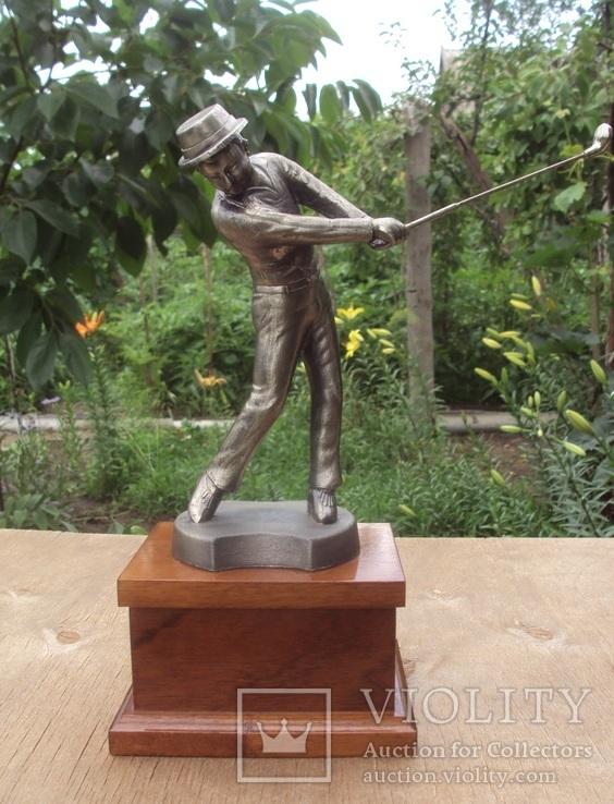 Игрок в гольф, высота 27 см.