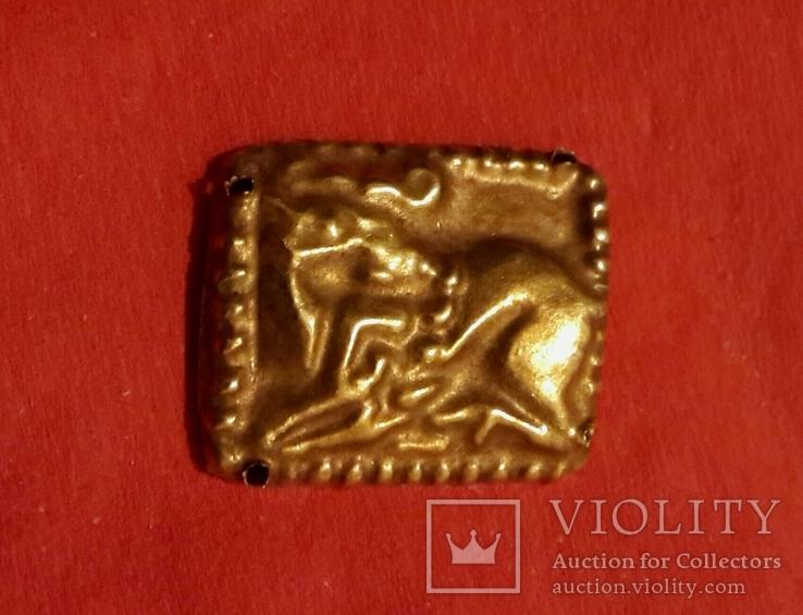Скифская классическая золотая нашивка - лежащий олень