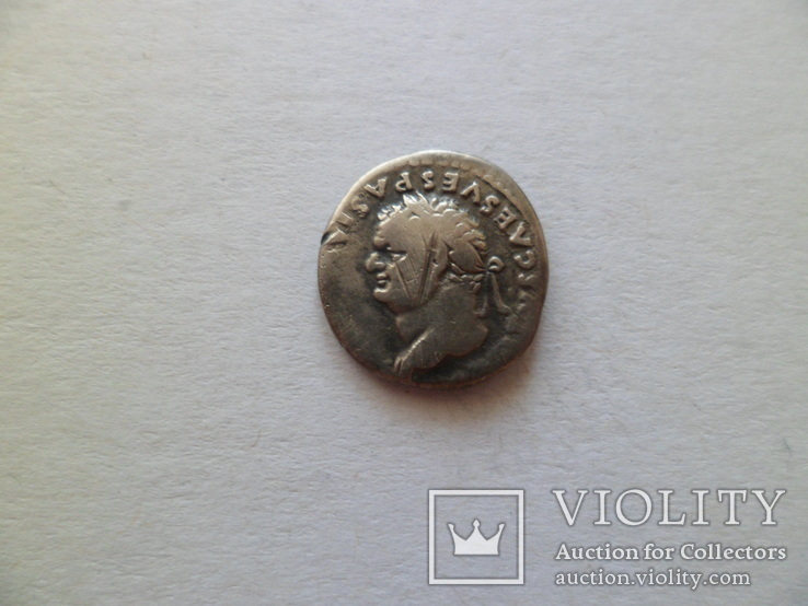 Денарий Тит (портрет влево)