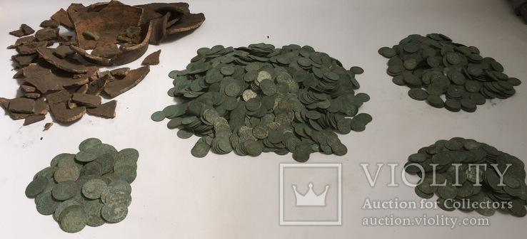 Всего 3405 монет: шестаки, трояки и полтораки.