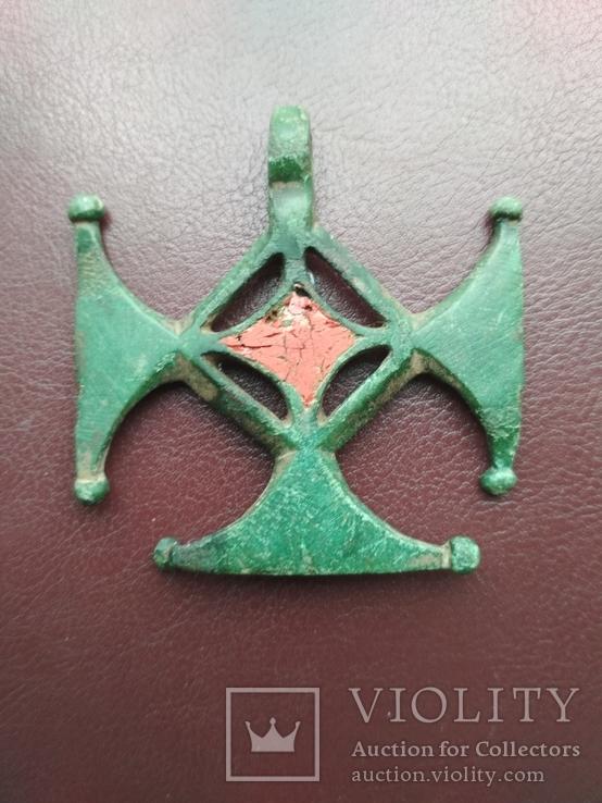 Привеска с эмалью, к к, 2-5 век.