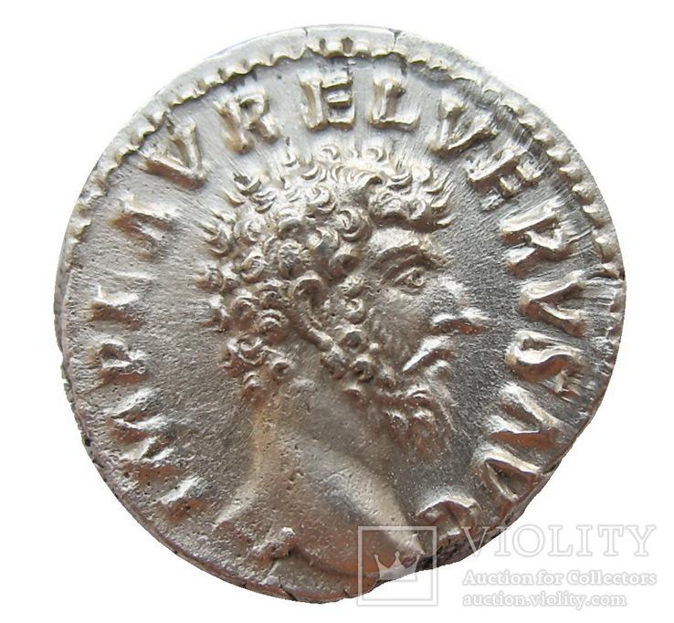 Денарий Луций Вер 161-169 г. н.э.