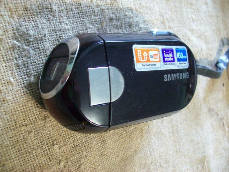 Samsung видеокамера (на флешке)