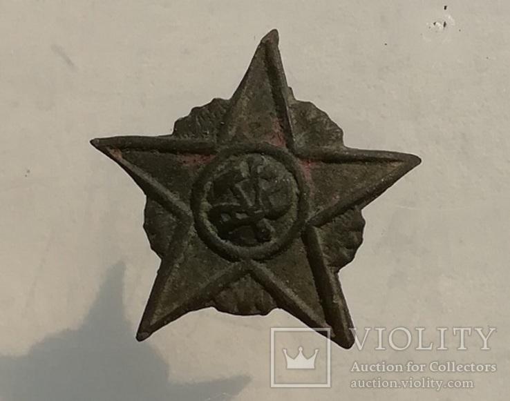 Кокарда РККА звезда плуг и молот в сиянии образца 18-22г
