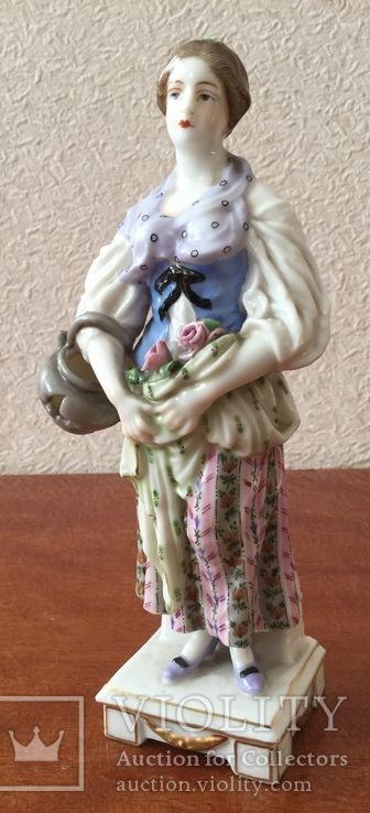 """,,Девушка с розами в подоле"""". Passau/Germany."""