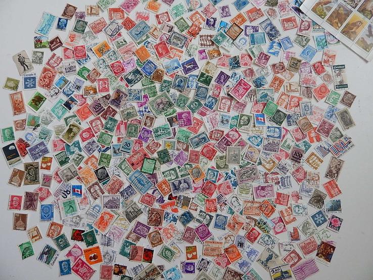 Приличный лот иностранных марок 470  шт.с блоком птицы.
