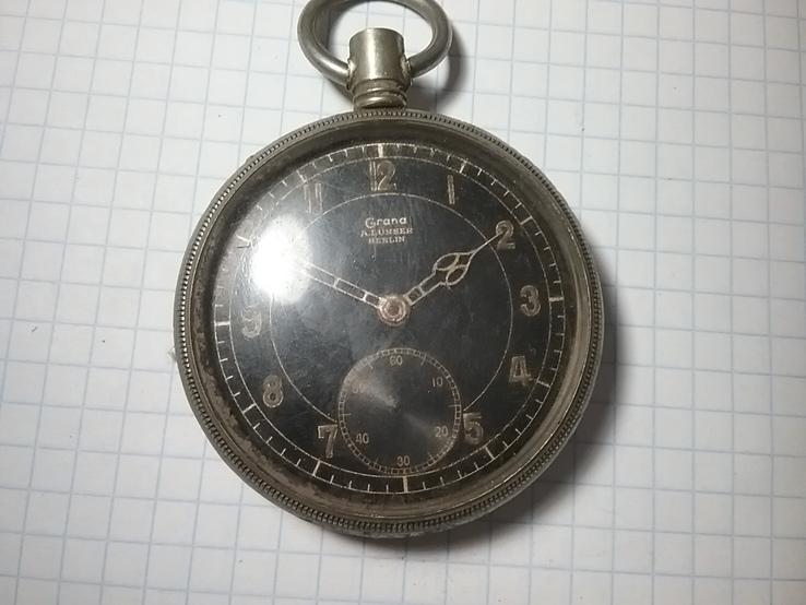 Часы трофейные