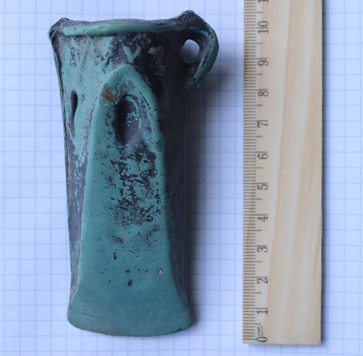 Культура Ноуа, 15-13 вв. до н.э., кельт старшего трансильванского типа с кантовым орнаментом, арковидной фаской и пещеркой.