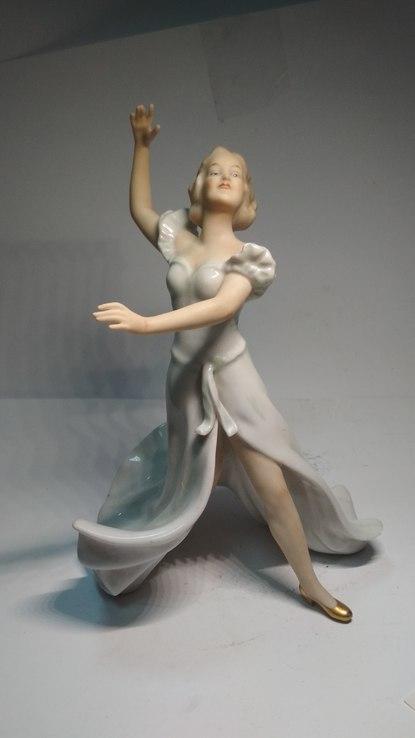 Танцовщица Валлендорф Германия