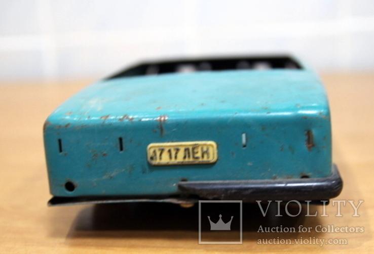 Машинка легковая из жести времен СССР.нюанс, фото №5