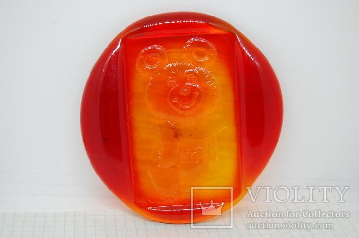 Сувенир Олимпийский мишка на стекле. Объемный. Олимпиада 1980. 10-10,5см, фото №2