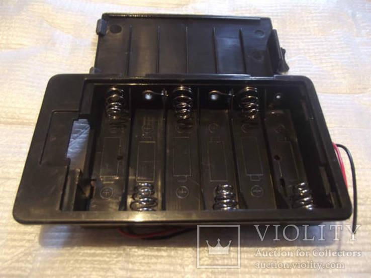 Закрытый холдер под 6 аккумуляторов или батарей размера АА