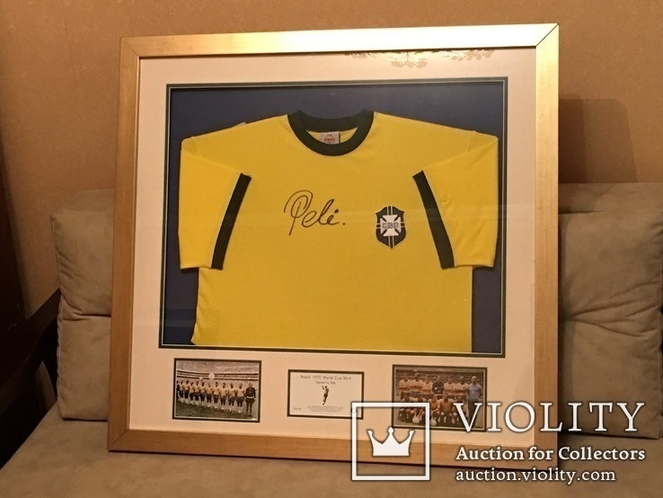 Ретро футболка сб. Бразилии 1970 г. с автографом Пеле. Рамка, сертификат, фото с ЧМ 1970.