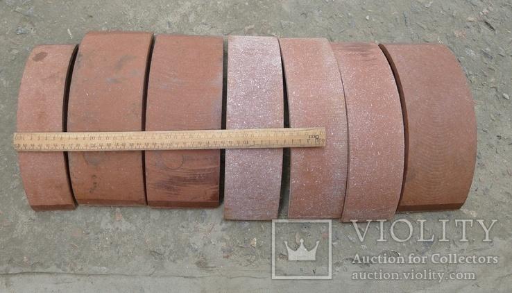 Тормозные колодки разных размеров СССР с деревянным ящиком с рукояткой., фото №10