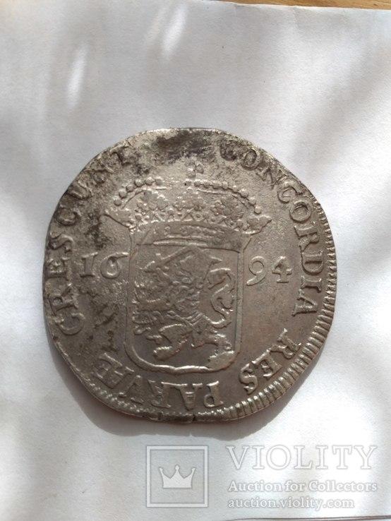 Западная Фрисландия, зильбердукат 1694 года и патагон 1623год