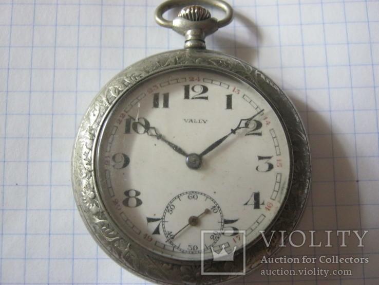 Часы Vally.