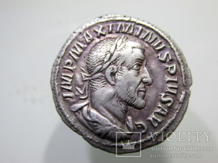 Гай Юлій Вер Максимін (відомий як Максимін Фракієць).