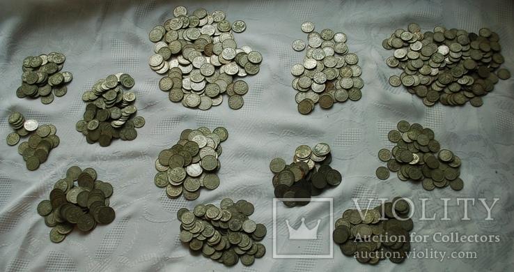 царского серебра: 858 монет, 2.1кг