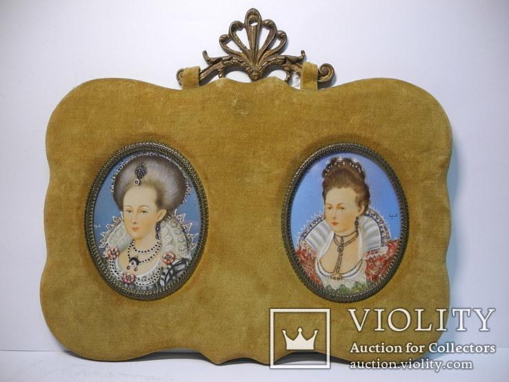 183. Два миниатюрных портрета