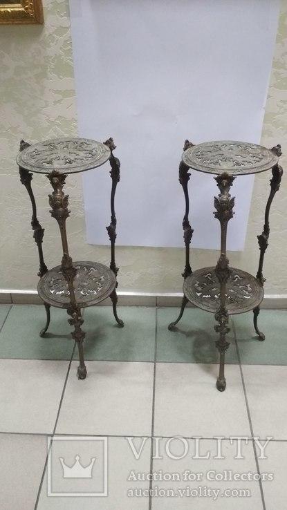 Два бронзовых столика-подставки Европа