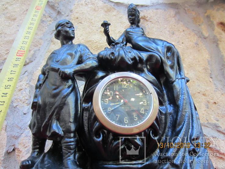 Часы  каминные  на увереном  ходу Хозяйка медной горы сплав