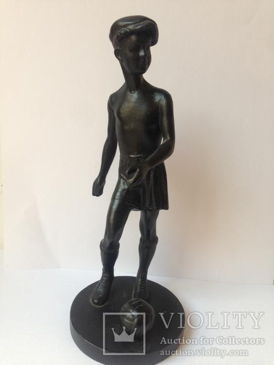Мальчик-футболист. Касли. 1950 год.