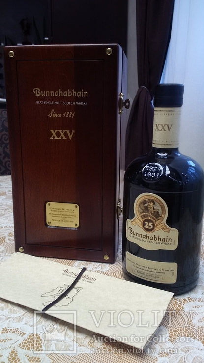 Бутылка коллекционного виски Bunnahabhain 25 Years Old 0,7L (Буннахавэн 25 лет 0,7л)