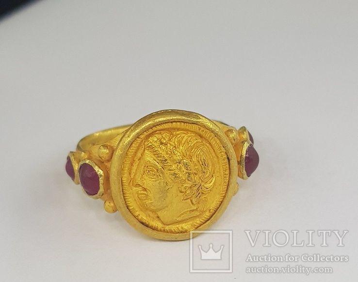 Золотой перстень, с рубином