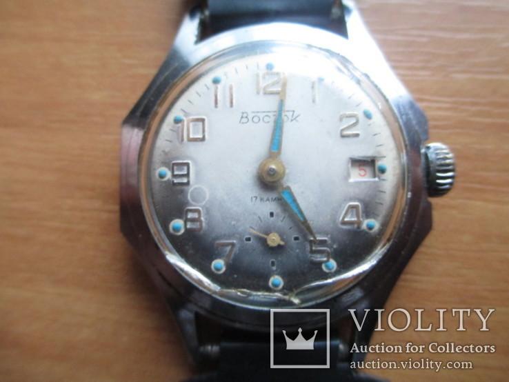 """Часы """"Восток"""", на ходу, механизм 000010."""