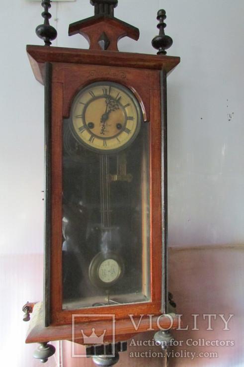 Часы настенные , старинные .