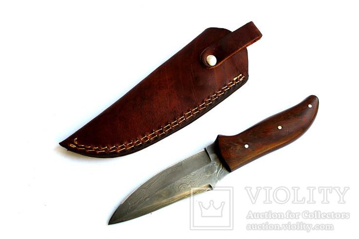 Нож острый, охотничьий. Дамасская сталь.