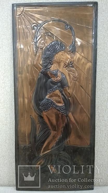 Чеканка Танцовщица с цветком 32.5*74 см., фото №2