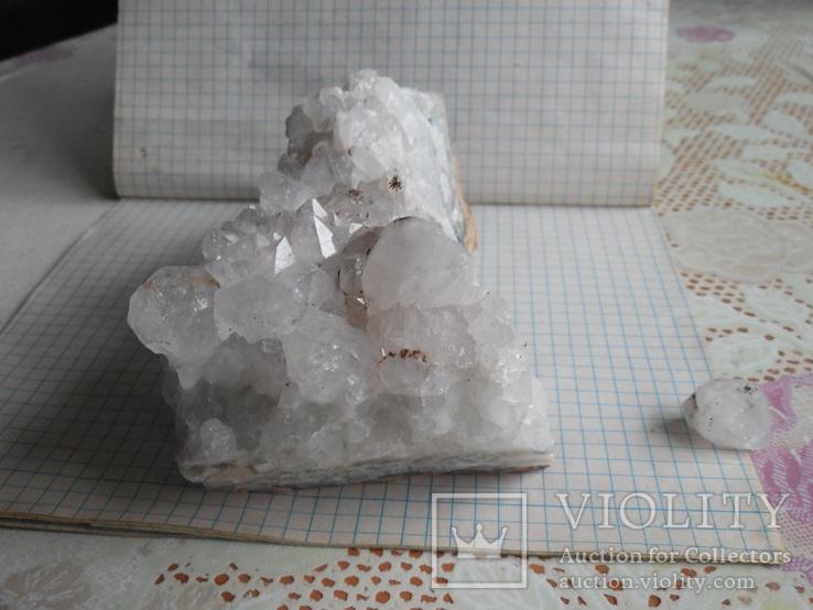 Кристалы на породе, фото №7