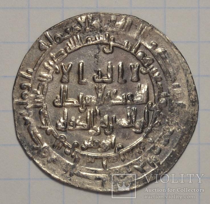 Шаш,291 г.х.Исмаил бин Ахмад.С именем визиря Абу-л-Хусейна ад-давла на аверсе.