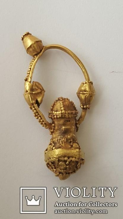 Золотая серьга 9-10вв.