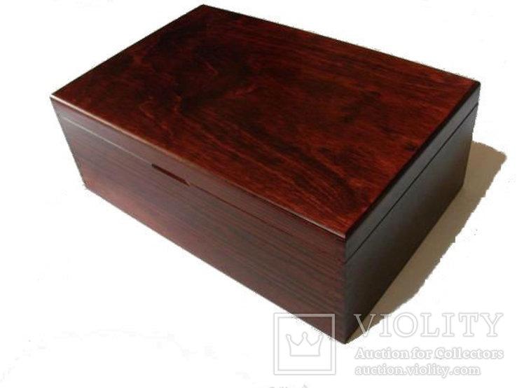 Деревянный элегантный бокс на 6 планшетов, фото №4