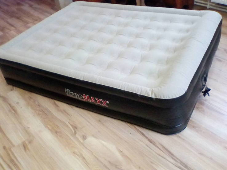 Надувная кровать Ergomax с електронасосом