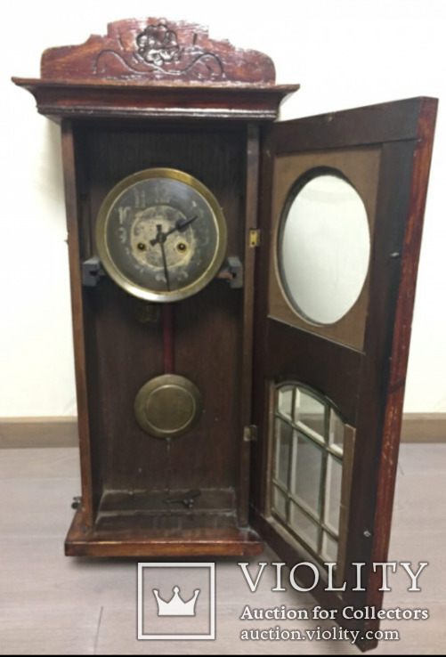 Часы Gustav Becker.