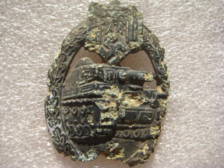 За танкову атаку (нагрудний знак), фото №3