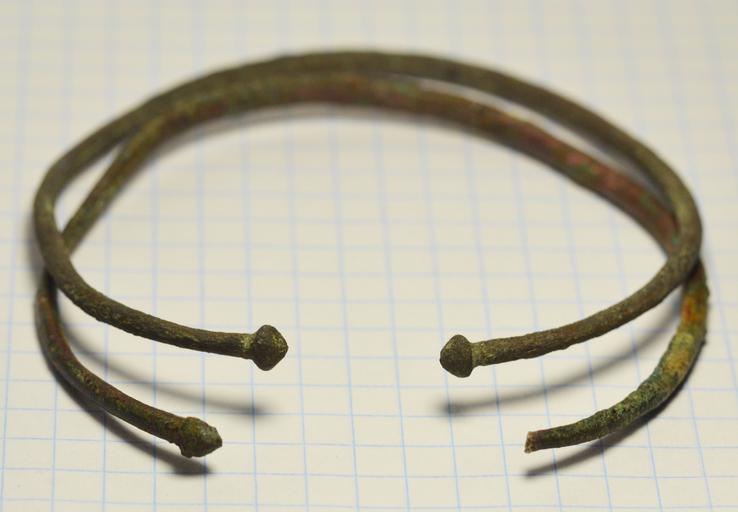 Скифские браслеты.7,3 см на 7,1 см.