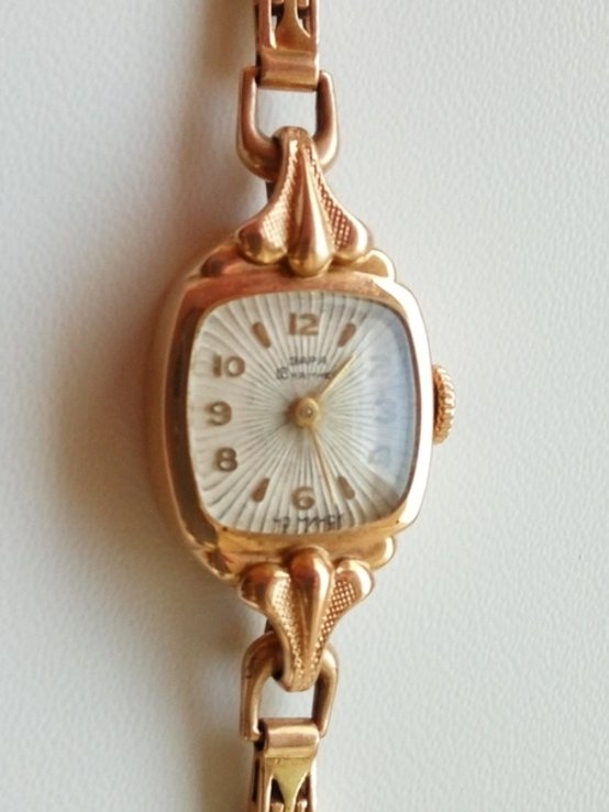 Золотые часы Заря наручные 583проба