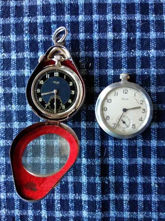 Двое карманных часов Германия
