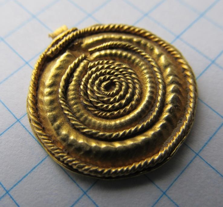Золотий солярний амулет ЧК