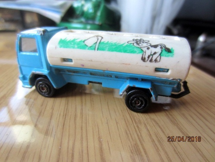 Majorette Ford Milk Tanker Truck No. 241-245, фото №4