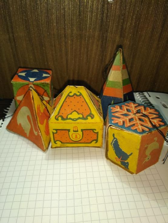 Набор игрушек из картона